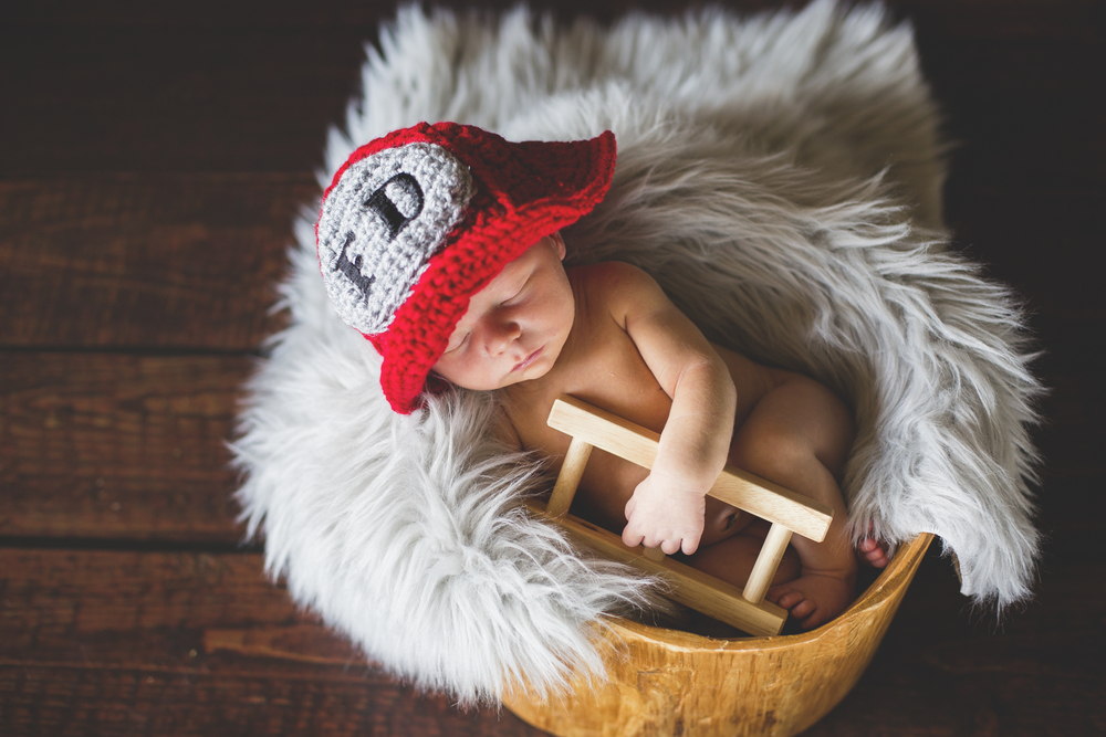 """""""Lindsey is wonderful and talented beyond words! Thank you for the best newborn session we could ever ask for! Highly recommend this photographer!"""" - Logan Gillham"""