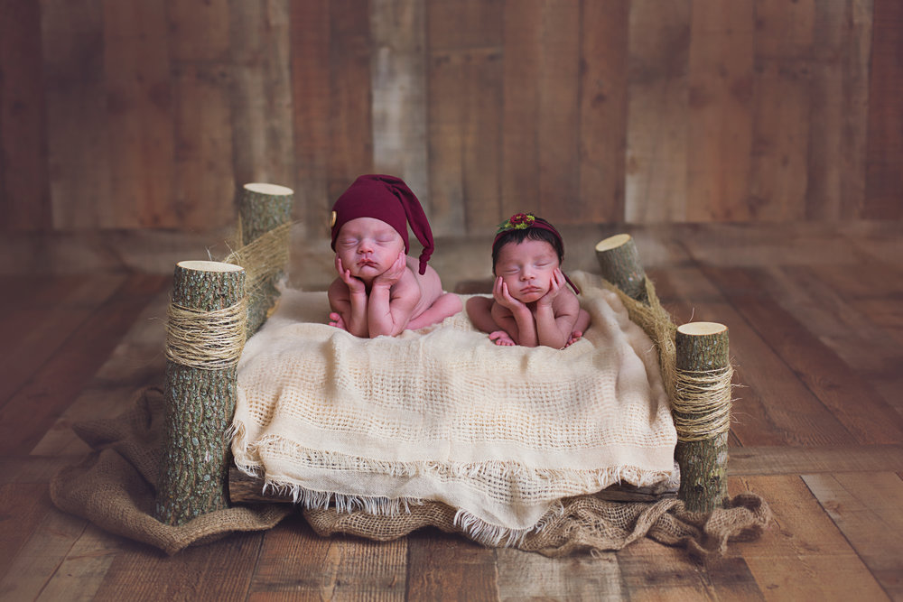 """""""My family and I had a fantastic baby shoot with Lindsey Landrum Photograph! Thank you for being patient with us and our not so co-operative 1 week old twins. Our slideshow is absolutely AMAZING!! I LOVE LOVE LOVE each and every picture! Thank you again!!!!!!!!!"""" - Amy Bailey"""
