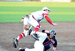Senior Ray Hansen tags out an OP-RF baserunner.