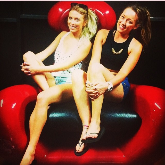 Just chill in' on some big re alien chair. @angie_m_91