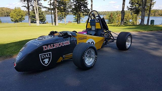 We had an awesome time golfing and showing off the car at the Ninth Annual Engineering Golf Tournament. 📷: @enginathan #engineering #tuns #dalfsae #dalhousie #golf #tournament #fsae #sae #daleng #racecar #holeinone #sexton #stance #mr2 #crf450 #mechanical