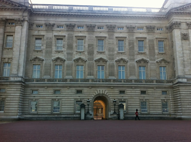 Close-up of Buckingham Palace.