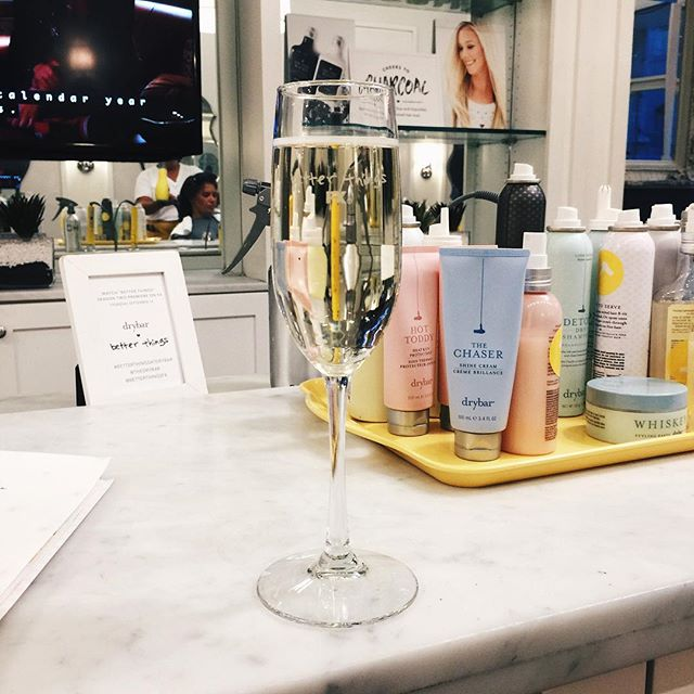 better things x dry bar = free blowout 💁🏾