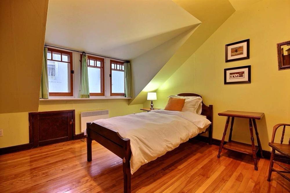 1045-bourlamaque-petite-chambre