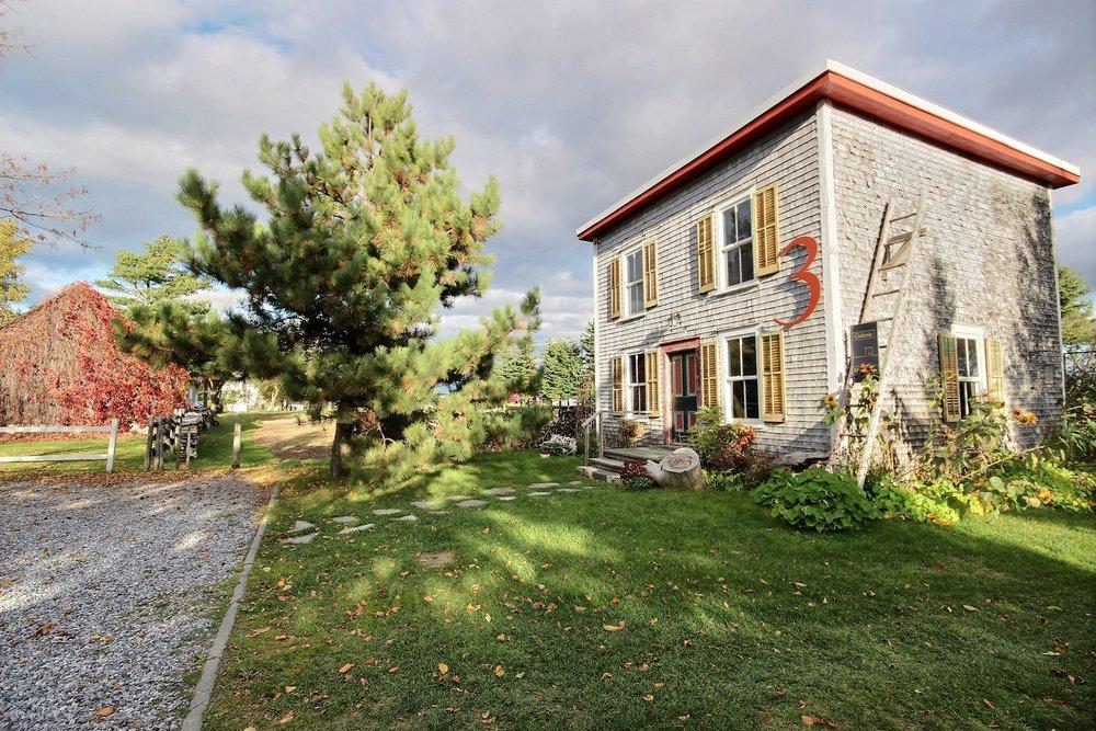 Auberge-a-vendre-kamouraska-quebec (3).jpg
