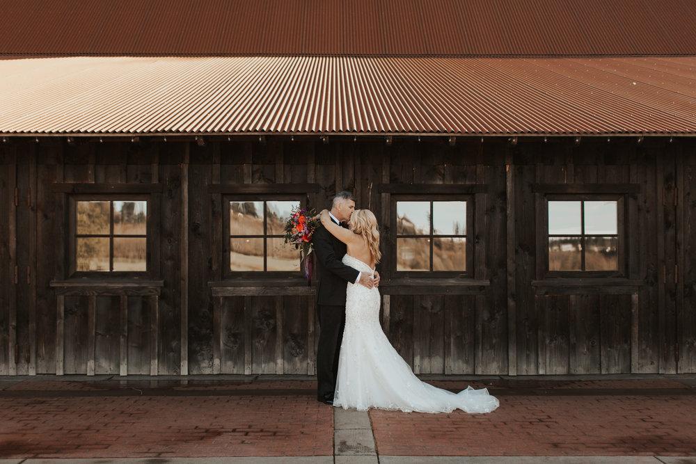 ginapauslon_deenateel_wedding-339.jpg