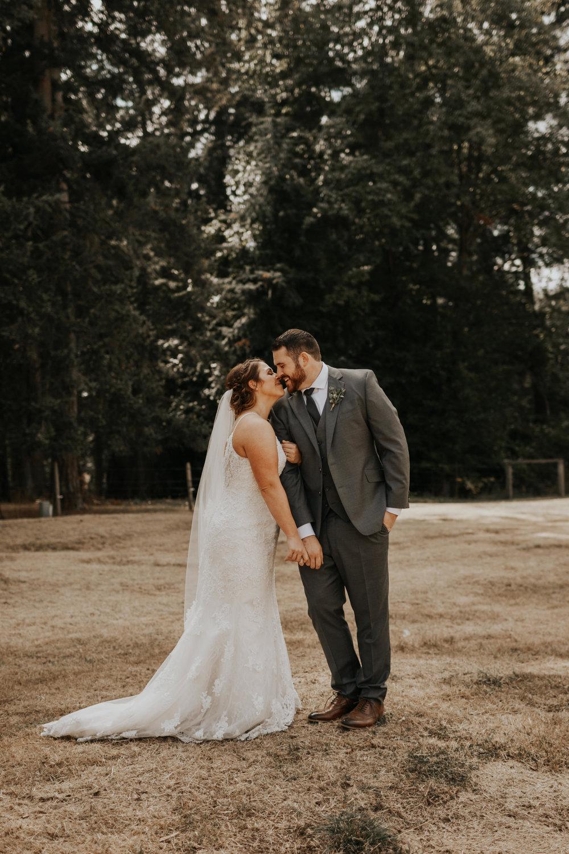 ginapaulson_kellenbailey_wedding-2.jpg