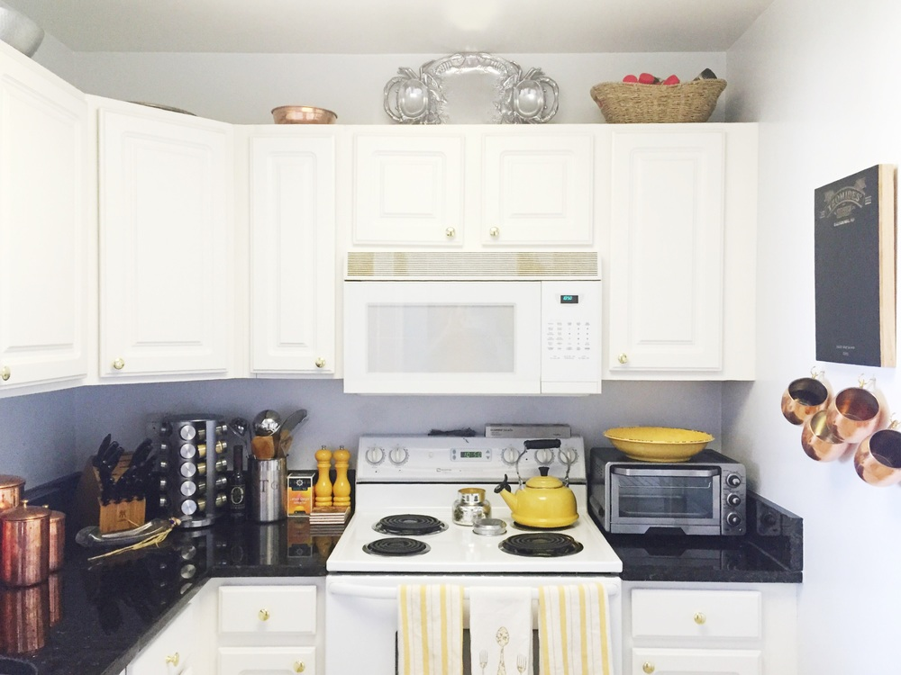 My little kitchen// Copper + Yellow + Bright