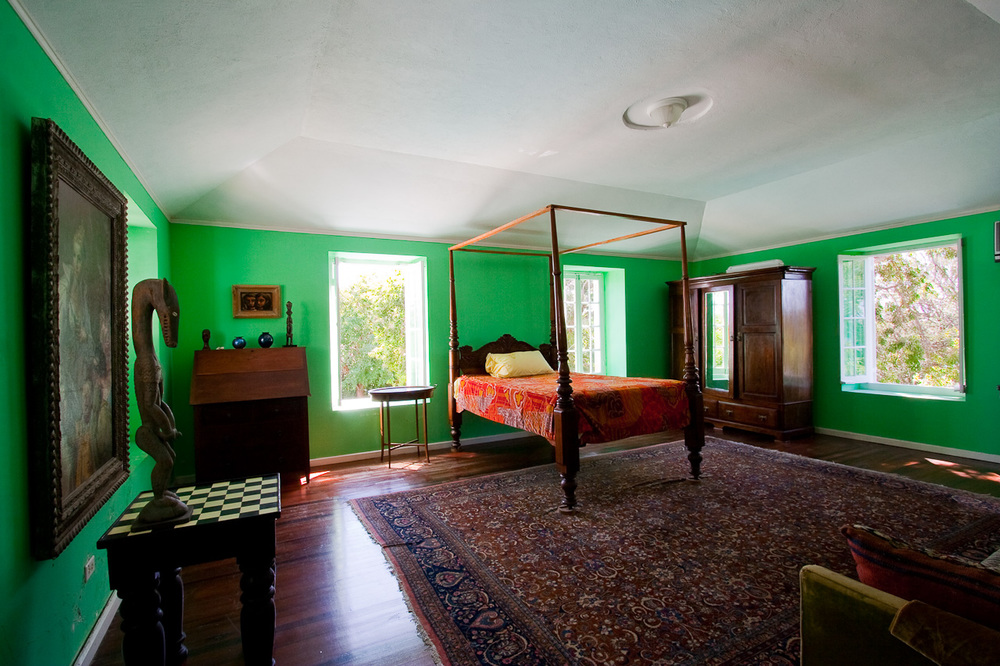 CH Inside green bed-6.jpg
