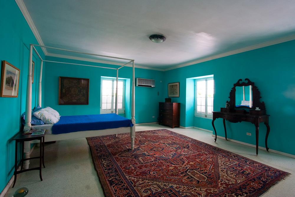CH Inside blue bed-12.jpg