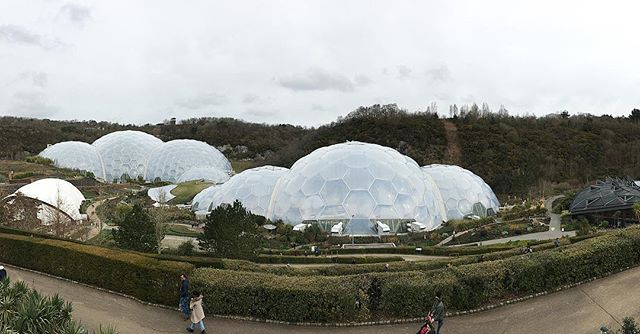 Nothing like a day down at the Eden Project to get out of the wind and rain, it always makes you want  to book a hot holiday #edenproject #hotholidayplease