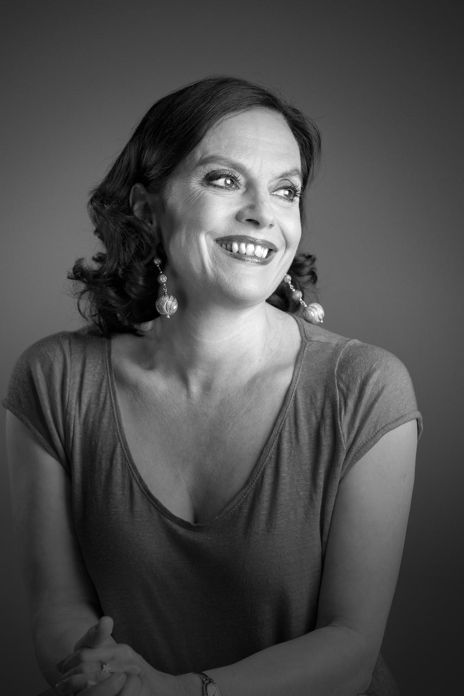 Kirjailija Anna-Leena Härkönen