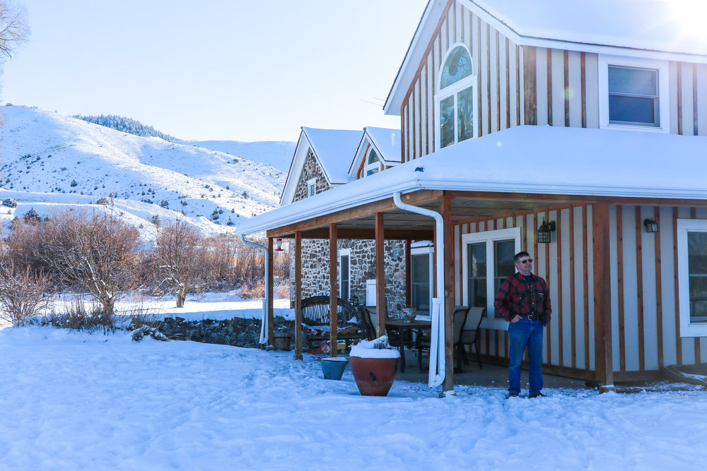 Rancher John Anderson outside his home on the Ruby Dell Ranch near Alder, Montana. (Photo Emmy Reed/GYC.)