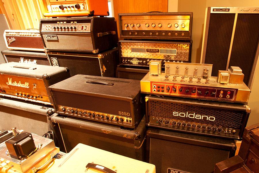 gear_0015_Amps.jpg