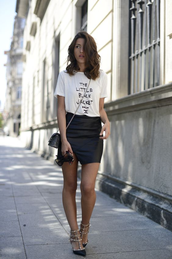 KEY TO THIS OUTFIT: - Bodycon skirt - A statement shoe - Accessorize