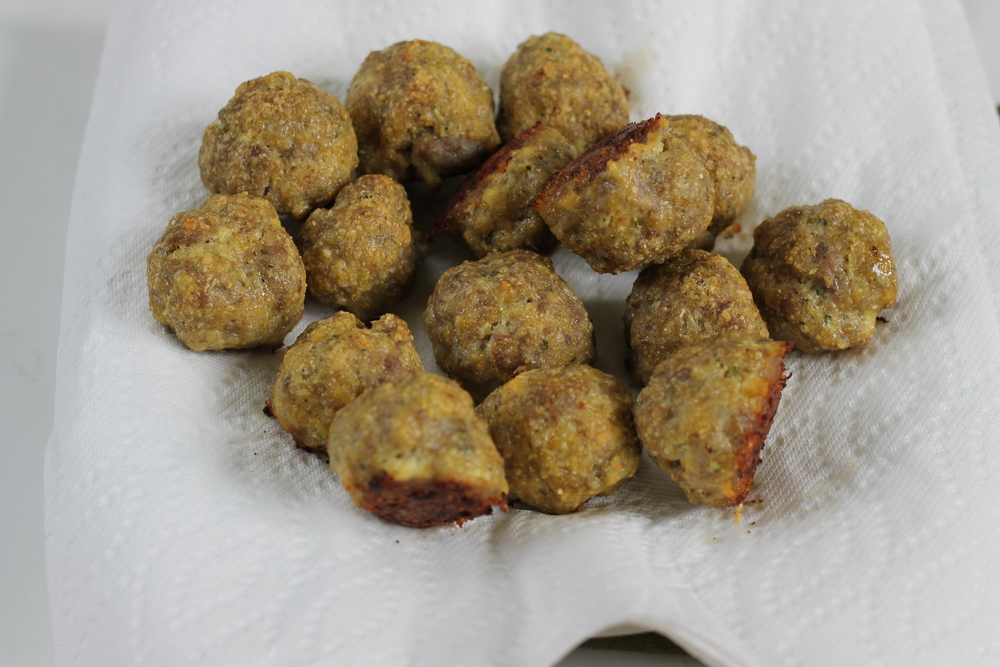 freezer-friendly sausage meatballs (via yummytoddlerfood.com)