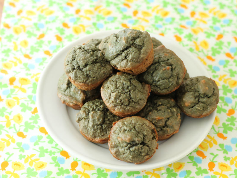 Naturally green muffins via yummytoddlerfood.com