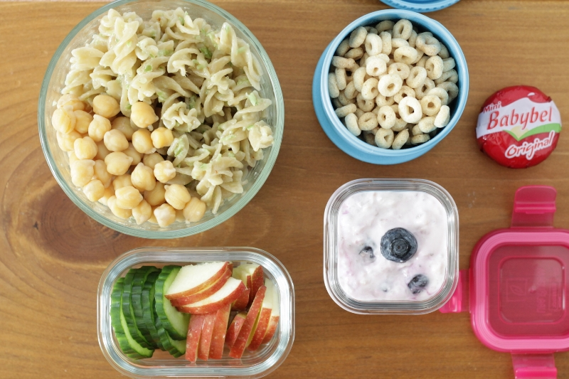 Pesto Pasta toddler lunch idea from yummytoddlerfood.com