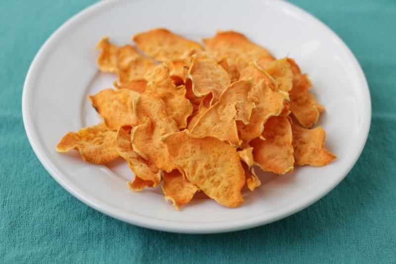1-Ingredient Sweet Potato Chips via yummytoddlerfood.com