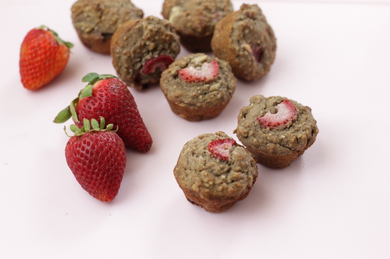 Allergy-Free Strawberry Buckwheat Muffins via yummytoddlerfood.com