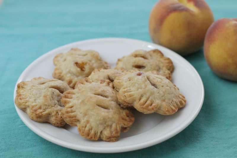 Tiny Peach Hand Pies (yummytoddlerfood.com)