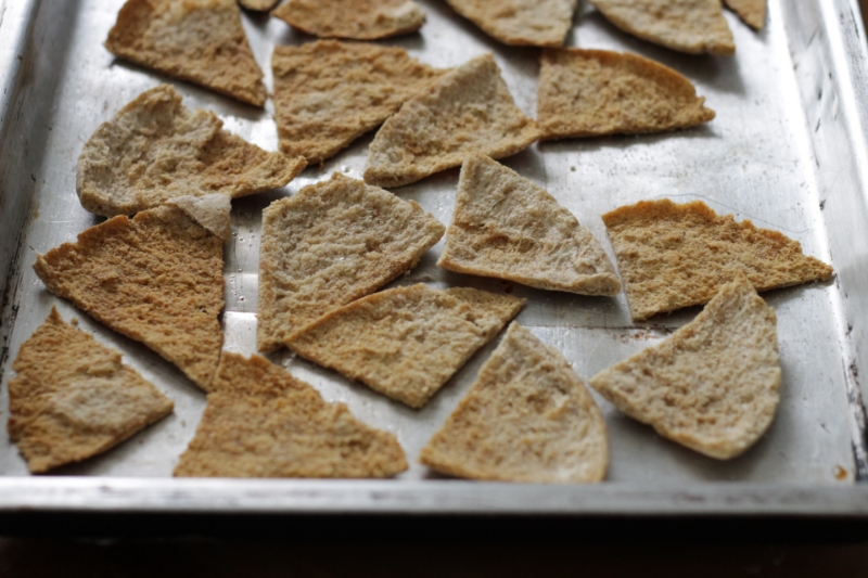 Easy Baked Pita Chips: a little crunchy, a little buttery, and so good to munch on