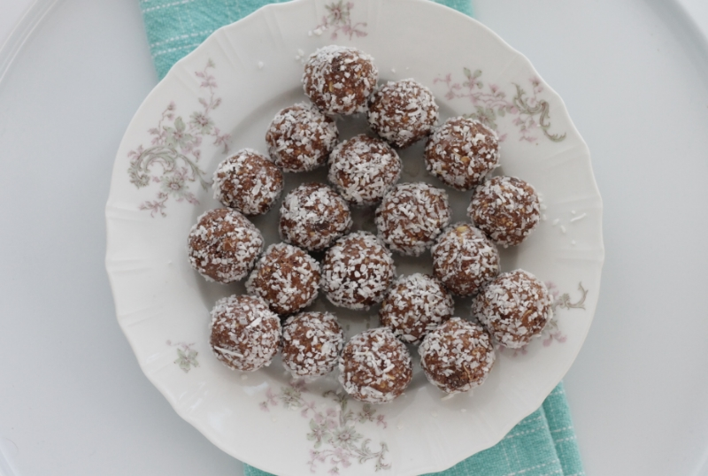 Quick and Easy No-Bake Peanut Butter Chocolate Bites for the holidays or everyday
