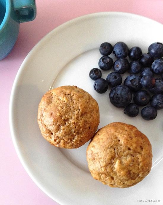 whole grain banana min muffins (low sugar)  (via yummytoddlerfood.com)