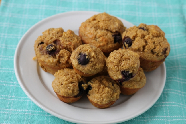mama and me blueberry muffins (via yummytoddlerfood.com)