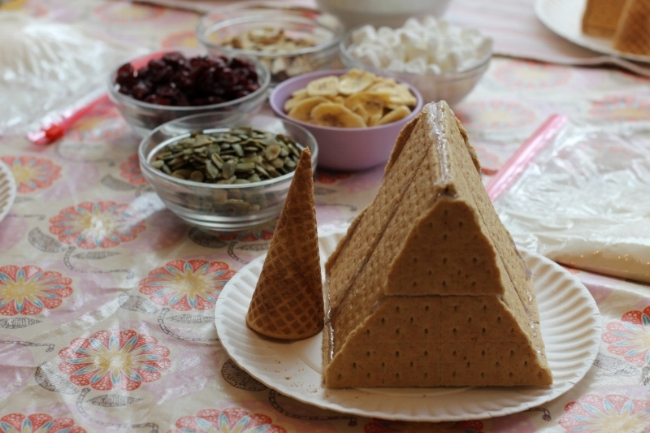Holiday project with kids: A-Frame Graham Cracker Houses