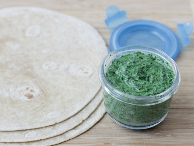 Spinach quesadilla filling via yummytoddlerfood.com