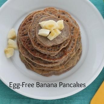 Allergy-Friendly+Banana+Pancakes+for+the+family.jpg