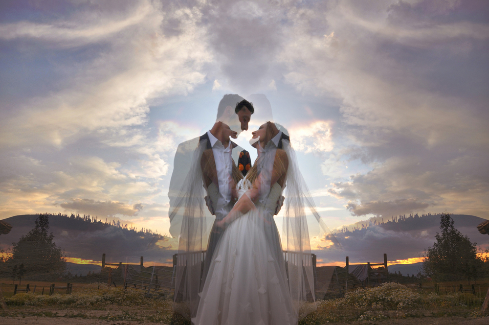 23. Weddings-Bride-Groom-Mirror-Image3_Carly-Carpenter.jpg