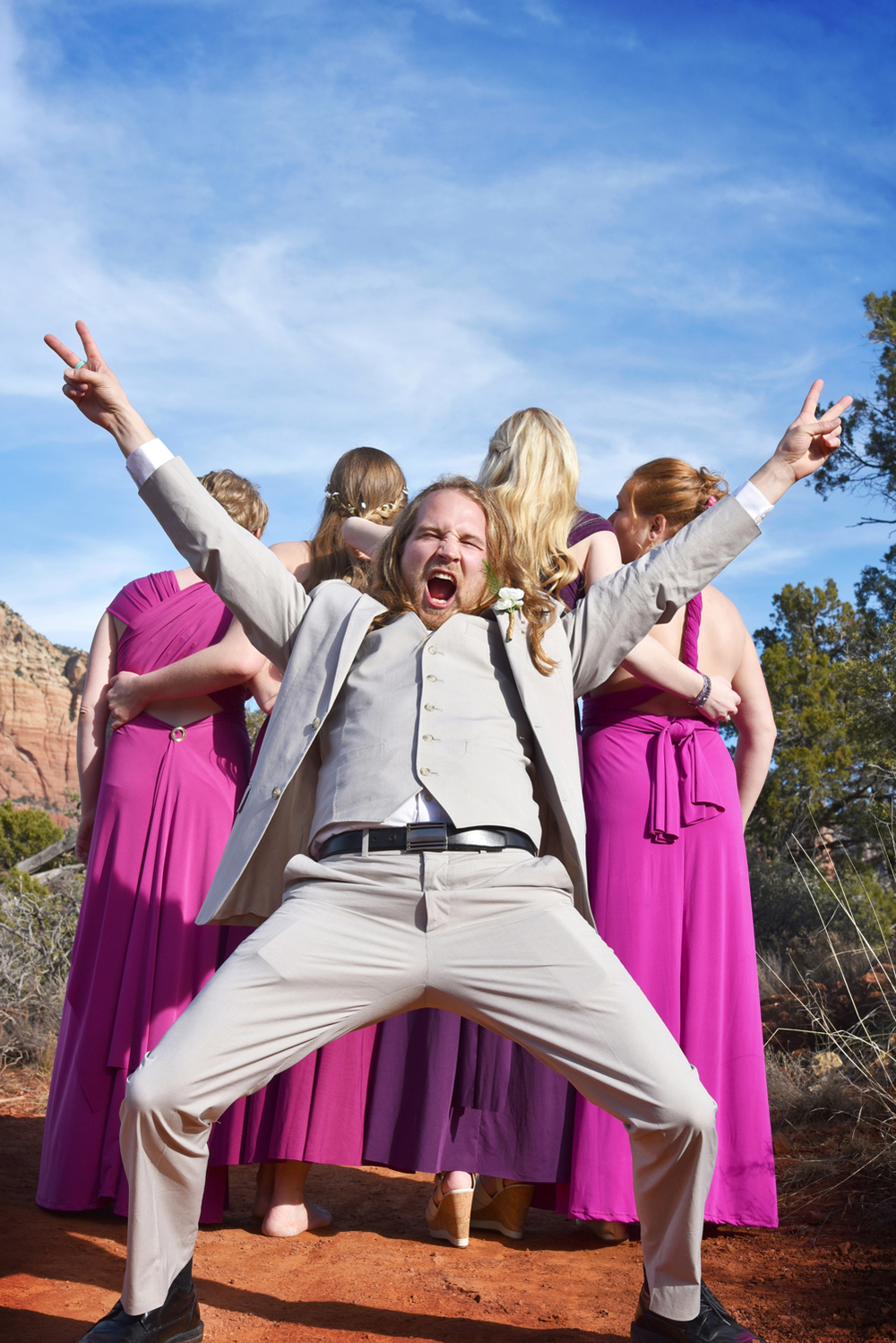 Weddings-Sedona-Wedding-Bell-Rock-Arizona--Groom-Bridesmaids_Carly-Carpenter.jpg