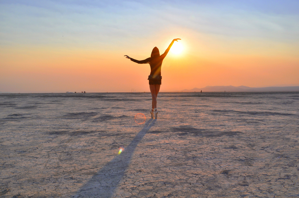 Burning-Man-Black-Rock-City-Playa-Ballet-Sunrise-Dancer_Carly-Carpenter.jpg
