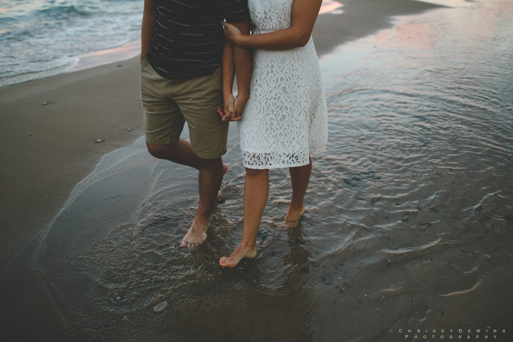 chicago_oakstreetbeach_lincolnpark_engagement_photography_0028.jpg