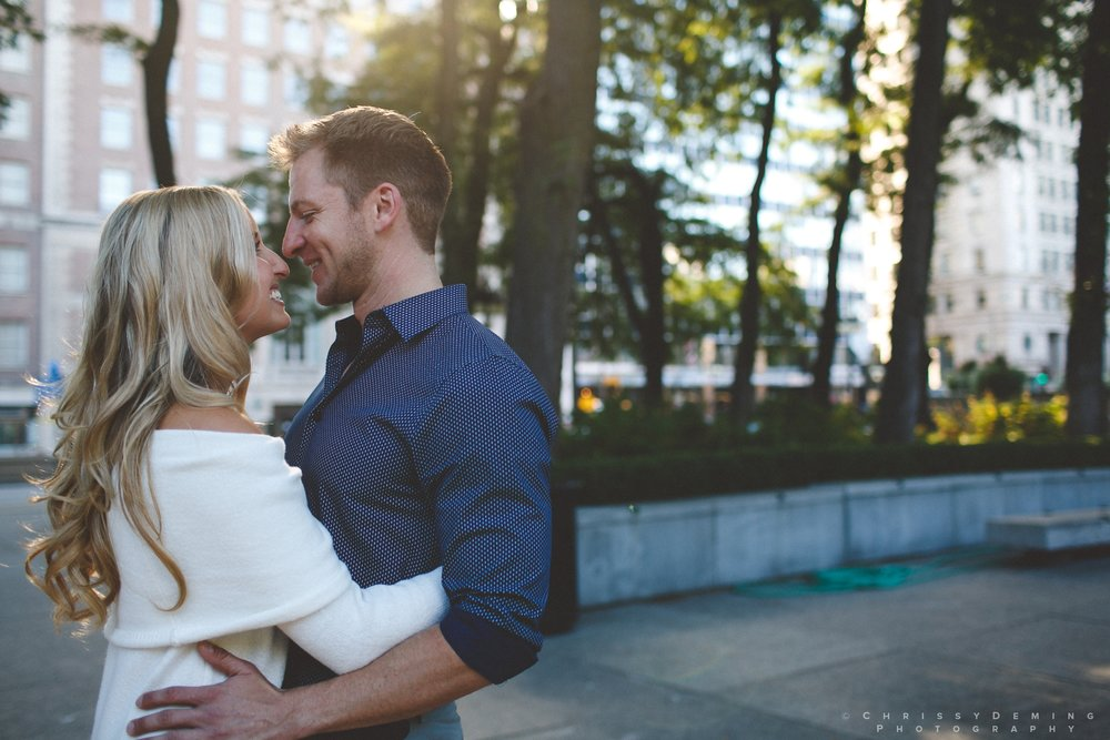 millennium_park_north_ave_beach_engagement_photography_0003.jpg