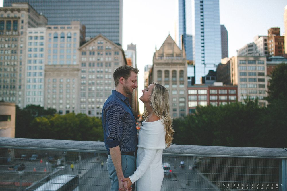 millennium_park_north_ave_beach_engagement_photography_0018.jpg
