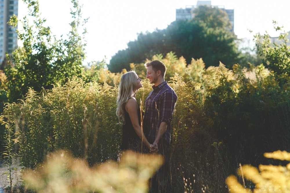 millennium_park_north_ave_beach_engagement_photography_0025.jpg