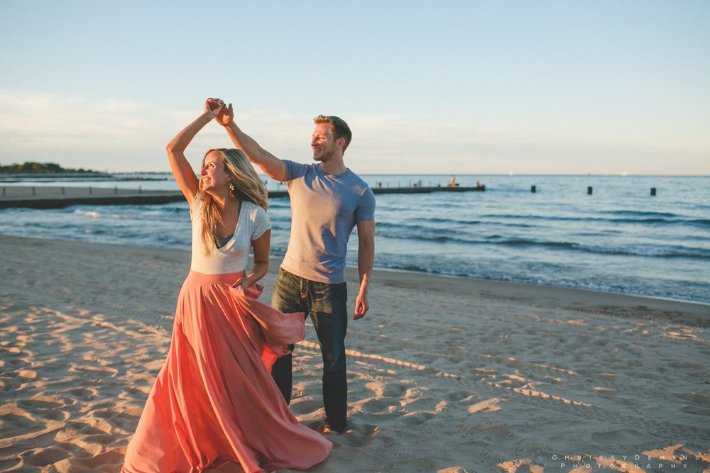 millennium_park_north_ave_beach_engagement_photography_0038.jpg