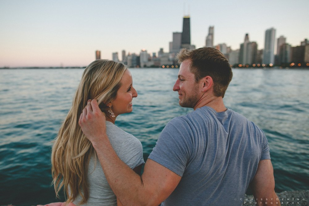millennium_park_north_ave_beach_engagement_photography_0045.jpg