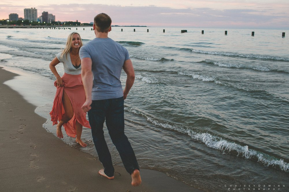 millennium_park_north_ave_beach_engagement_photography_0053.jpg