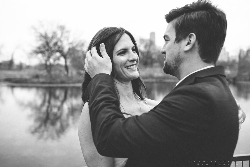 chicago__lincoln_park_engagement_photographer_0006.jpg