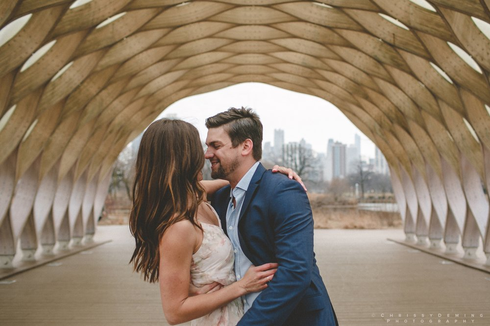 chicago__lincoln_park_engagement_photographer_0013.jpg