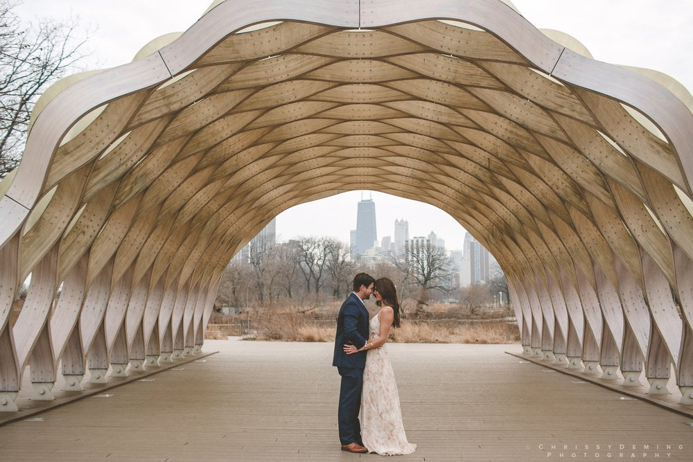 chicago__lincoln_park_engagement_photographer_0015.jpg