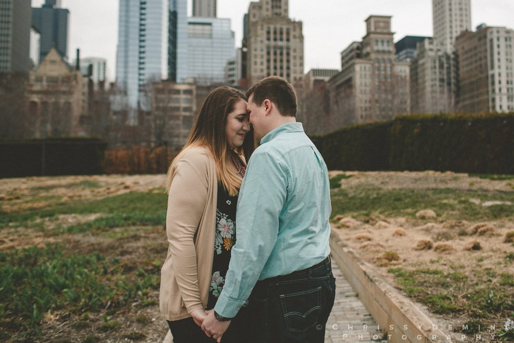 millennium park_chicago_engagement_photography_0019.jpg