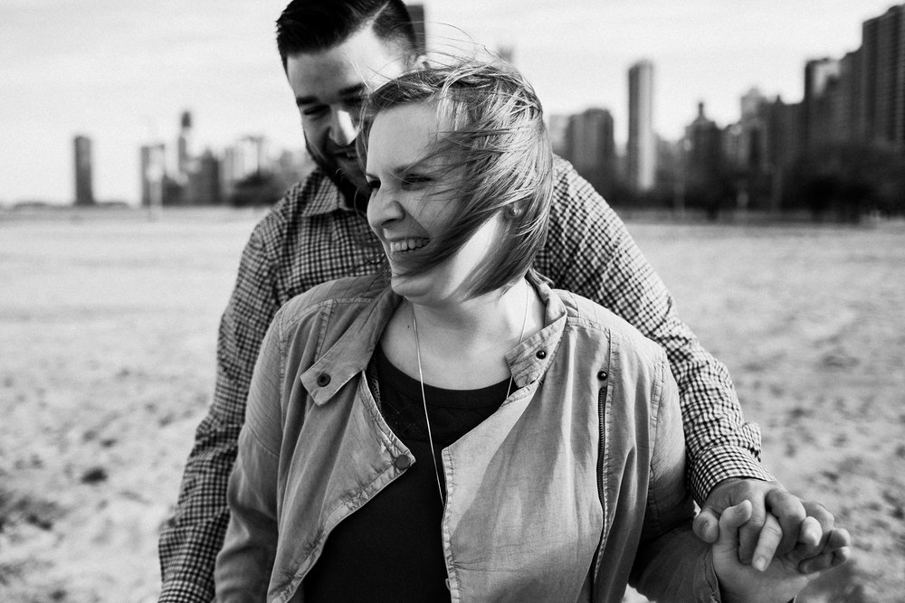 chicago_humboldt_park_north_ave_beach_engagement_photography_0002.jpg