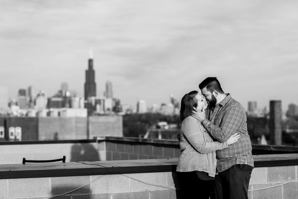chicago_humboldt_park_north_ave_beach_engagement_photography_0012.jpg