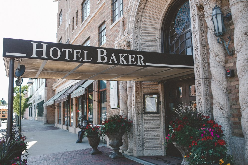 hotel_baker_st_charles_IL_wedding_photographer_0034.jpg