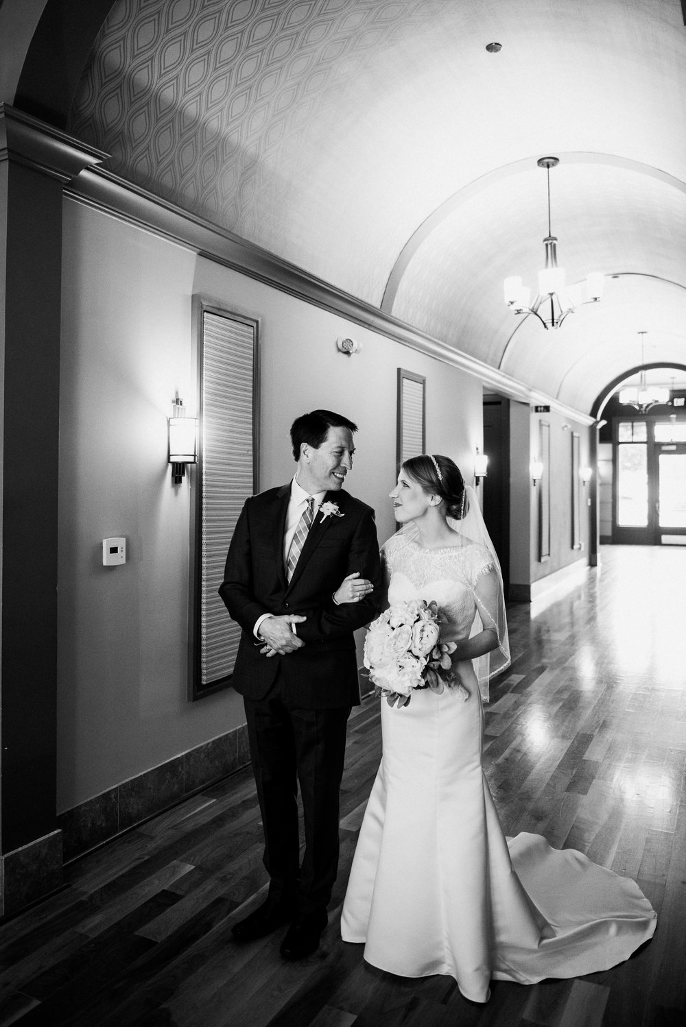 noahs_event_venue_naperville_IL_wedding_photographer_0043.jpg
